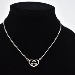 """GUCCI: Sterling Silver, """"GG Heart"""" Necklace (ny)"""